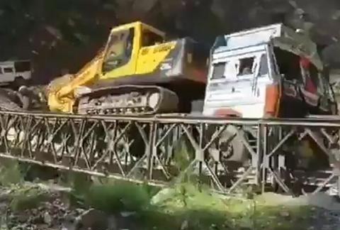 印陆军用72小时搭建的大桥,建成后48小时就坍塌了