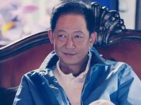 """年收入6000万、上海名模,陈坚红为什么选""""过气""""的王志文?"""
