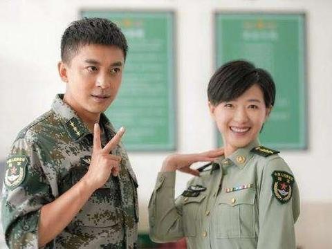 《我们正年轻》:万茜、李佳航、秦昊展现军中爱情,唤起青春记忆