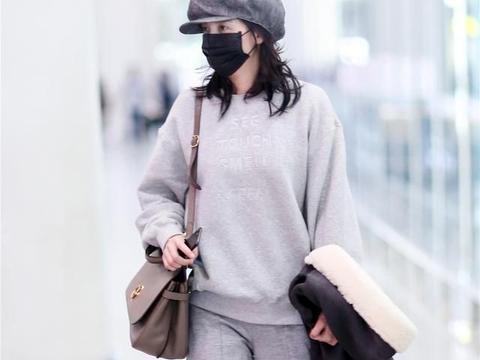 聪明的女人穿阔腿裤都不配高跟鞋,看看潮人们的穿搭,舒适不累脚