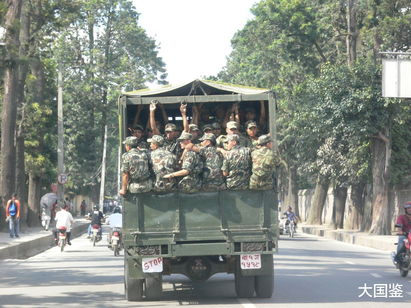 尼泊尔开辟战略通道,向边境运送大批部队,印度:谁给的胆子?