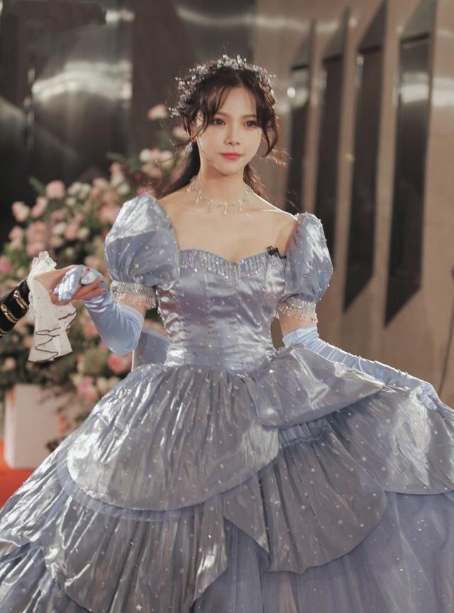 《创3》红毯造型,编外服装师谢安然,一群迪士尼在逃公主王后