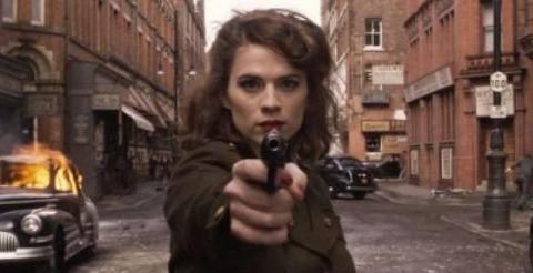 为何海莉·阿特韦尔为《碟中谍7》做训练时,晒图致敬艾莎女王?