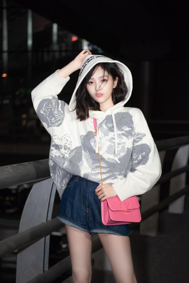 """吴宣仪要回归宇宙少女?韩文打招呼""""我回来了"""""""