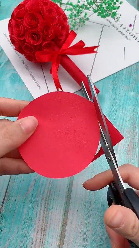 火热的玫瑰花捧花,最适合做下个月的情人节礼物哦!