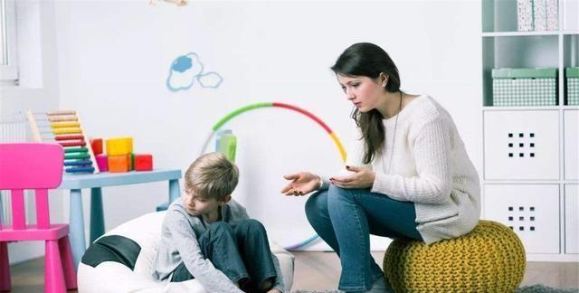 清华高材生因不会绑鞋带被劝退,孩子缺乏独立能力,是失败的教育