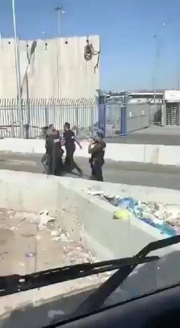 刺杀未遂,耶路撒冷加兰迪亚检查站……