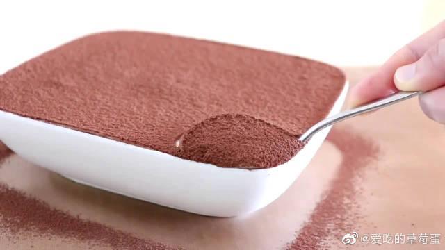 勃朗峰海绵蛋糕,甜奶油搭配栗子能更好的解除奶油甜腻的口感