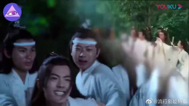 王一博X肖战 大型小学生掐架现场!王一博:为什么受伤的总是我?