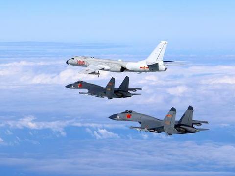 """反制日本钓鱼岛""""更名""""闹剧,中国用轰炸机飞行代替外交抗议"""