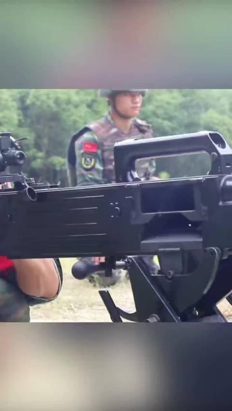 还想看看自动榴弹发射器的威力吗?