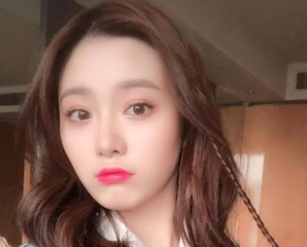 徐艺洋国外开花,裴珠泫郑秀晶结合体,网友:南韩喜欢的颜!