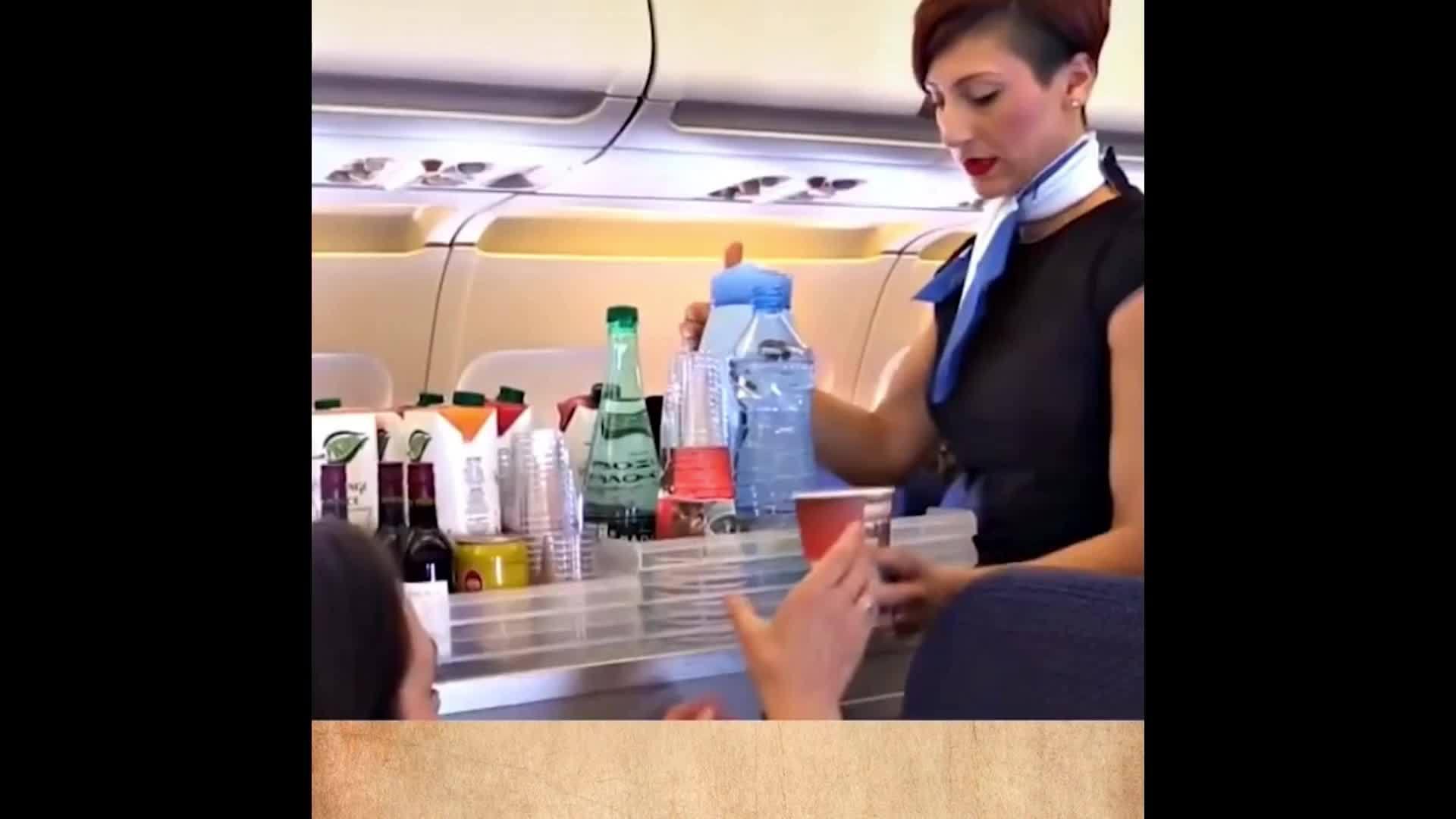 飞机餐是免费的,但为什么没有人会吃第二份?