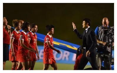 接了烫手山芋地主教练郝伟,拿高薪有错吗?