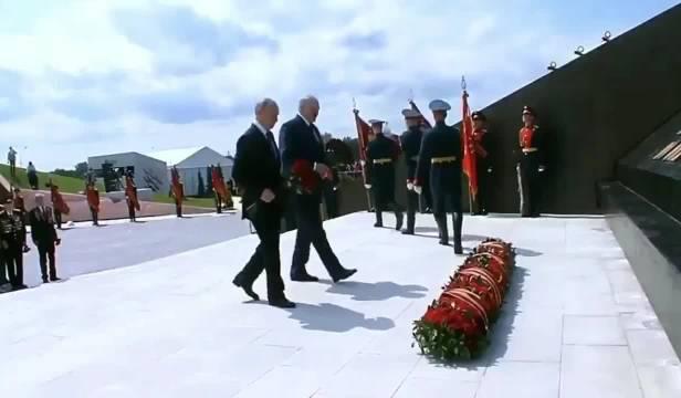 普京出席勒热夫纪念馆揭幕仪式、悼念在战斗中牺牲的苏联人