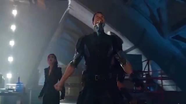 X战警4:逆转未来变种人被哨兵机器人打得老惨了……