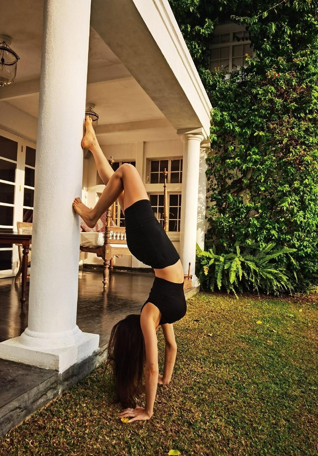 90后健身达人李津津,不论室内室外都在健身,滋养骨盆活得更快活