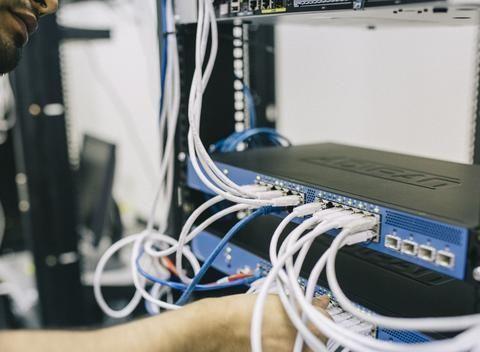 计算机和电子,两个超级热门的工科专业,你会选哪个?