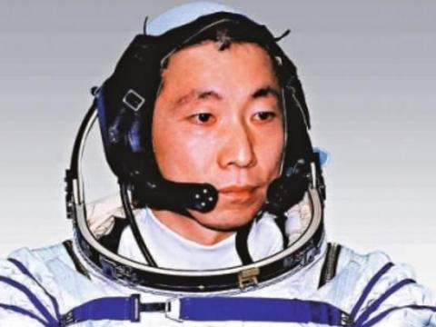 17年了,杨利伟为何没再上天?原因不仅让人感动,更让人敬佩