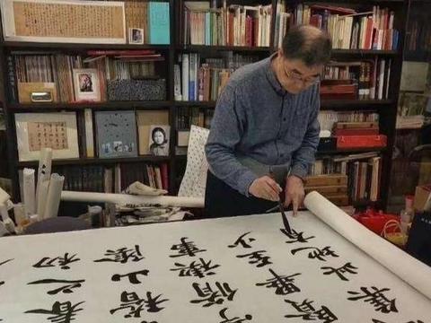 卢中南硬笔写的楷书《九成宫》,有没有点欧阳询的味道?