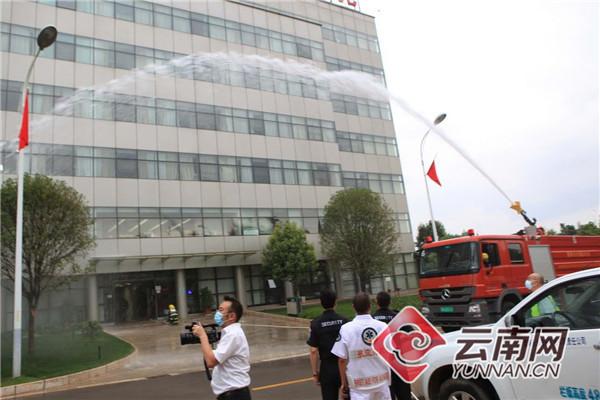 昆明机场首次举行抗震救灾专项演练