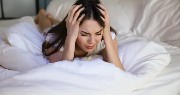 凌晨3、4点总是自动醒,中医提醒:牢记5个习惯,睡眠不比别人差