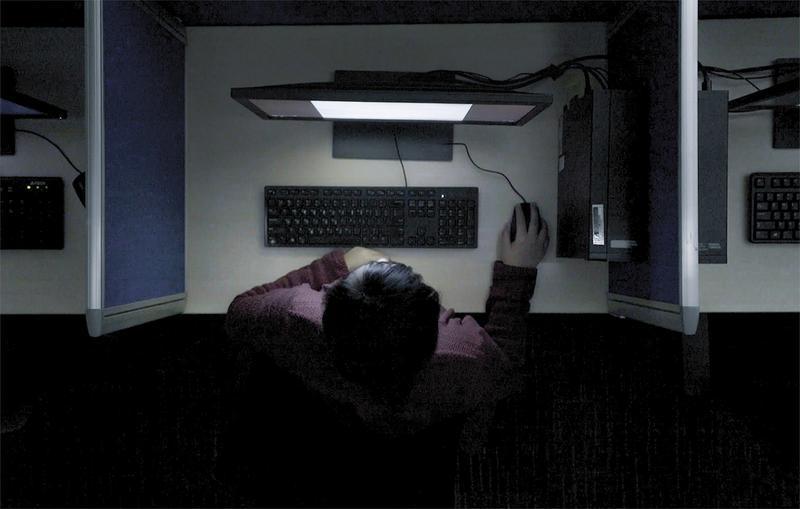 谁在审查社交平台?《网络监护人》揭开跨国外包删帖的秘密