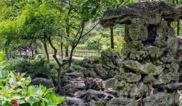 中国的四大名园之一,苏州旅游的必到之地,园林建筑中的典范