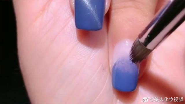 超美的雾霾蓝贝壳美甲,手把手教你这样做,仙女们的最爱……