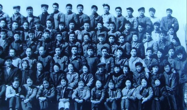 这所学校仅办5年 却有赵丹白杨任教 培育出了达式常姚锡娟等明星
