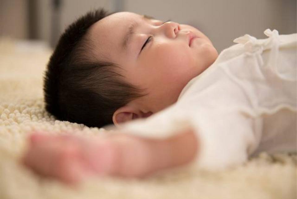 """宝宝断夜奶难于登天?科学三步走,让小""""睡渣""""变""""睡神"""""""
