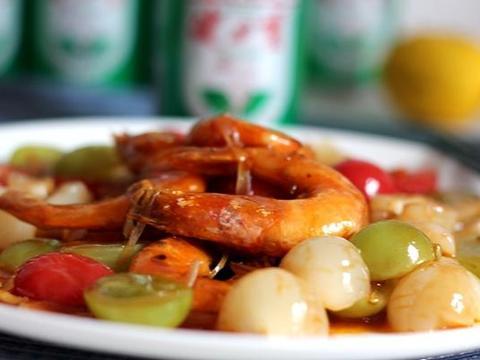 夏天孩子厌食不用愁 水果炒大虾 甜酸可口 一盘子都不够吃