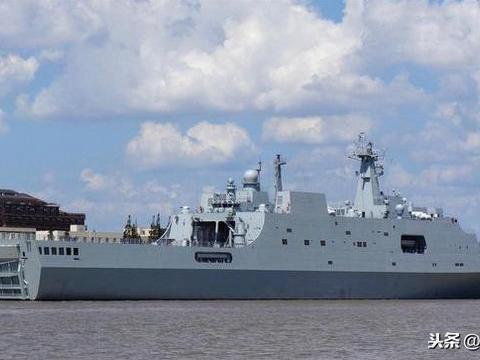 龙虎山舰:系071型改进型号,隶属东海舰队,满排达到29000吨