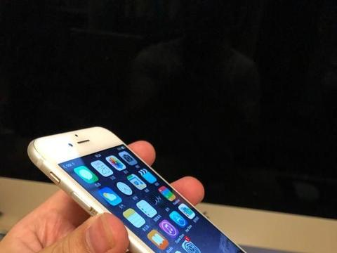 为何网友称iphone6使用三四年不卡,反而苹果XR一吃鸡就发热卡顿