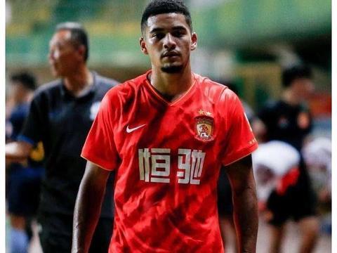 蒋光太穿上恒大新赛季球衣,好看!重点来了:他换球衣号码了