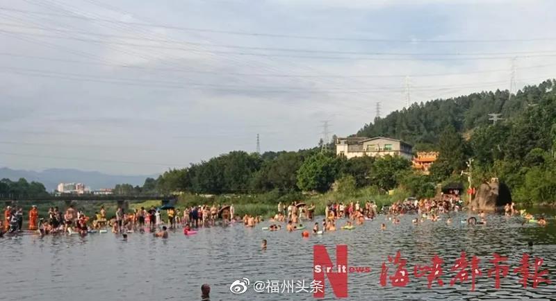 福州一男子不幸溺亡!事发时百余人在此游泳