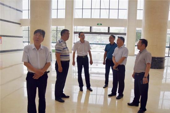 王文峰就重点项目建设现场办公