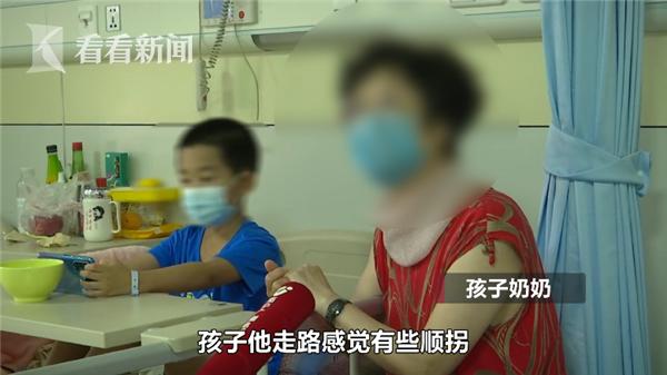 6岁男孩走路老摔跤 原来头内有个10公分肿瘤!医生:不易动手术