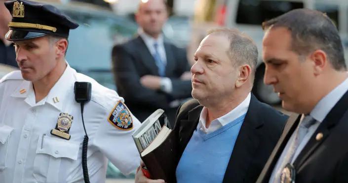 美国制片人强奸案受害者将获得约1900万美元赔偿