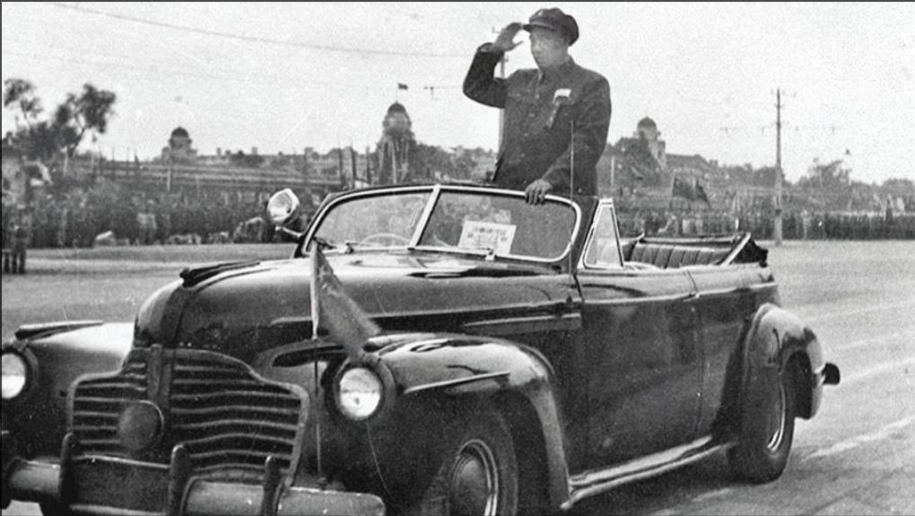 1951年国庆阅兵,朱德总司令检阅人民英雄部队|经典人文地理0701