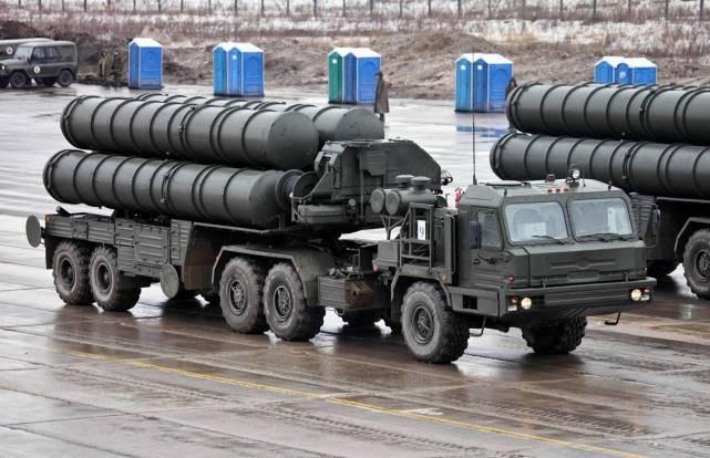 美军新型反辐射导弹,针对S-400防空系统,雷达关机后能切换弹头
