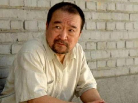 73岁李保田,捧红身高1米6的儿子,漂亮儿媳小儿子16岁