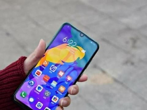 网友:看着这三款华为手机,我得了选择困难症!