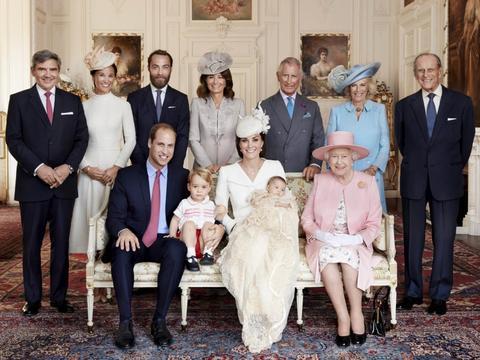 凯特不像戴安娜而更像英国女王?故英国女王不喜欢戴安娜而独宠她