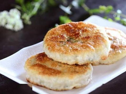 家常菜推荐:地三鲜、三鲜馅饼、芹菜木耳炒肉丝、盐焗鸡