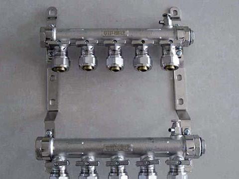 地暖分水器几路最合理 地暖分水器不锈钢和纯铜哪个好
