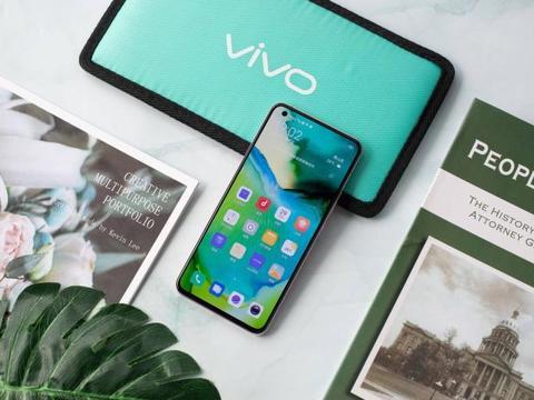 主打超薄,vivo X50仅厚7.49mm成为5G手机中的轻薄王者