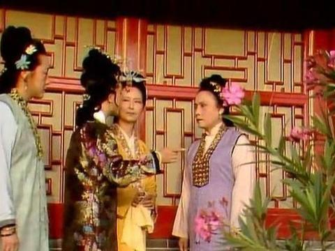 红楼梦:甄太太带着三姑娘进京,隐藏着探春和亲的曲曲折折