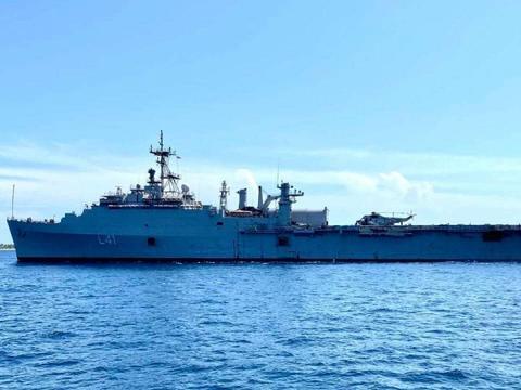 印度撤侨!出动海军万吨级船坞登陆舰,52岁高龄二手货仍难取代