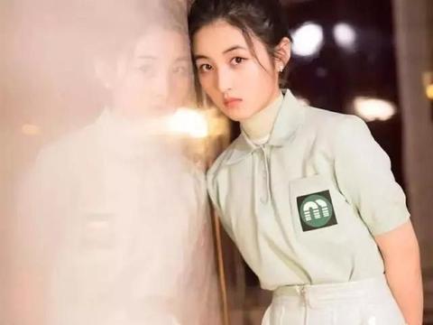 Polo衫经常被女生忽视,但它其实是贵族的运动衫